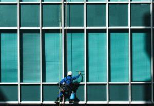 Read more about the article Pulizia di vetri e vetrate